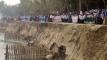 কুড়িগ্রামে ধরলার ভাঙন রোধের দাবিতে নদীতীরে মানববন্ধন