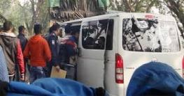 যশোরে বিএনপি প্রার্থীর গাড়ি থেকে তিন নেতাকে আটক