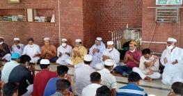 টুঙ্গিপাড়ায় শেখ সায়েরা খাতুন স্মরণে দোয়া ও মিলাদ মাহফিল অনুষ্ঠিত