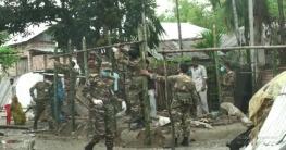 আম্পানে বিধ্বস্ত বৃদ্ধার ঘর নির্মাণ করে দিলো সেনাবাহিনী