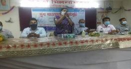 কোটালীপাড়ায় কমলমতি ১০০শিক্ষার্থীর মাঝে তরল দুধ বিতরণ