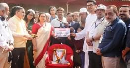 মুম্বাইতে 'বঙ্গবন্ধু' সিনেমার মহরত অনুষ্ঠিত