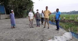 টুঙ্গিপাড়ায় চলমান প্রকল্প পরিদর্শন করলেন ইউএনও