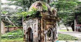 ৬ ফুট দৈর্ঘ্যের প্রাচীন মসজিদ